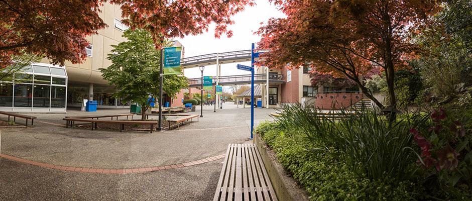 加拿大西岸學院-卡莫森學院