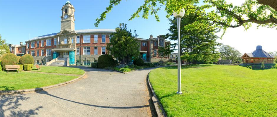 加拿大西岸學院 卡莫森學院