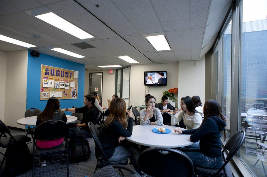 iTTTi Vancouver 溫哥華語言學校-休息區
